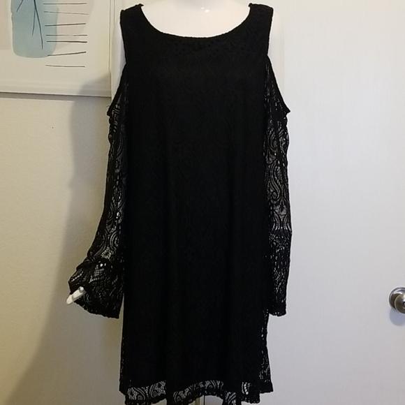 Ultra Flirt Plus black lace cold shoulder dress 3X
